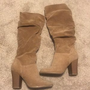 Brown slouchy block heel boot